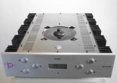 Het vervaardigen van behuizingen t.b.v. buizenversterkers en cd speler.