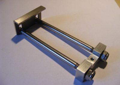 Het vervaardigen van een rvs 304 machine onderdeel.